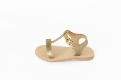 No filter, these are just gorgeous little gold sandals for girls! Pretty pebbled leather, soft and lovely for little feet! So perfect for a special occasion and cute enough for everyday. All genuine high quality leather. Free Shipping*