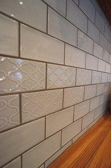 ブルーグレーのタイルがアクセント〜オリジナルキッチン収納 | 「暮らしを楽しむ」女性目線のリフォーム なごみ工房