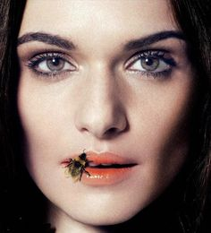 Rachel Weisz.  Used in a poem by Nessa about a woman to whom men swarmed like bee's to honey. M de L.