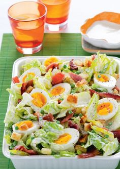 Recept voor ceasarsalade met bacon en croutons by Soy Healthy Cooking, Healthy Snacks, Healthy Eating, Cooking Recipes, Healthy Recipes, I Love Food, Good Food, Yummy Food, Ceasar Salad