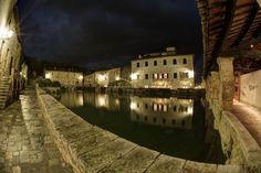 Bagno Vignoni (San Quirico d'Orcia). Foto di Lucio Artioli su http://500px.com/photo/30470441