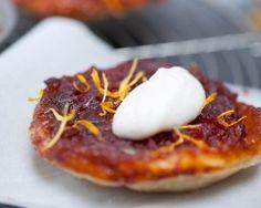 Mini-tatins de tomate aux pétales de fleurs