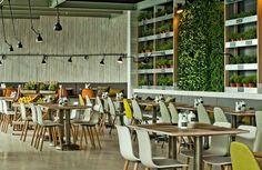 Ресторан Mercado крупнейшей в Словакии сети Medusa Group расположен на берегу Дуная в Братиславе.