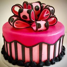 #pink #bow #stripes #cake #birthday #elegance #classic #sinfulsweets