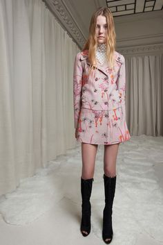 Giambattista Valli Pre-Fall 2016 Fashion Show #GiambattistaValli #fashion #Koshchenets