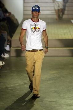 Dsquared2 Spring 2005 Menswear Collection Photos - Vogue