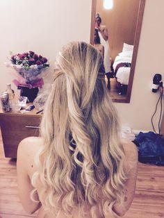 Slick hair blonde