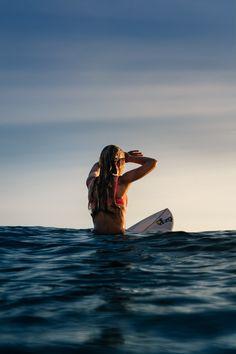 Surf :: Ride the Waves :: Free Spirit :: Gypsy Soul :: Eco Warrior :: Surf Girls :: Seek Adventure :: Summer Vibes :: Surfboard Design + Style :: Free your Wild :: See more Untamed Surfing Inspiration No Wave, Surf Girls, Beach Girls, Photo Surf, Shotting Photo, Palm Tree Silhouette, Surfing Pictures, Foto Instagram, Instagram Beach
