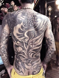 Phượng hoàng Back Tattoos For Guys, Full Back Tattoos, Full Body Tattoo, Great Tattoos, Beautiful Tattoos, Body Art Tattoos, Tatoos, Chicano Art Tattoos, Tribal Tattoos