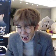 just a simple wrong username made their future way different then the… Baekhyun, Kaisoo, Chanbaek, Funny Kpop Memes, Exo Memes, Meme Faces, Funny Faces, K Pop, Exo Stickers