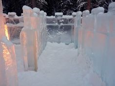 and inside the ice maze: nicely carved blocks.