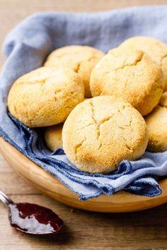 Down Home Coconut Flour Biscuits (Bite Into These) - Paleo Grubs Coconut Flour Biscuits, Keto Bread Coconut Flour, Paleo Biscuits, Keto Banana Bread, Coconut Flour Recipes, Almond Recipes, Keto Recipes, Free Recipes, Keto Flour