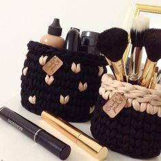Crochet Case, Crochet Storage, Diy Crochet And Knitting, Crochet Stitches, Diy Crochet Basket, Crochet Basket Pattern, Crochet Patterns, Bridesmaid Kit, Crochet Dinosaur