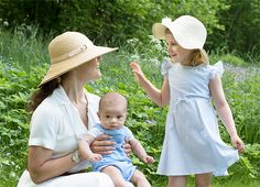 księżna koronna Wiktoria z dziećmi: księżniczką Estelle i księciem Oscarem [06.06.2016]