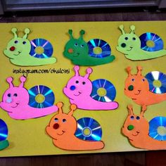 Cd crafts for kids Birthday Bulletin, Classroom Birthday, Cd Crafts, Paper Crafts, Scrap Store, Snail Craft, Motivational Cards, Turtle Crafts, Birthday Charts