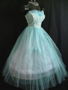 Vintage 1950's 50's 50s Bombshell STRAPLESS Turquoise Tulle Lace Beads Pearls Party Prom Wedding DRESS Gown