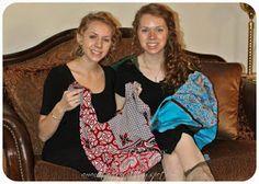 Make Hobo Bag Amandita Designs: Reversible Hobo Bag Tutorial Sewing Kids Clothes, Sewing For Kids, Diy Sewing Projects, Sewing Tutorials, Hobo Bag Tutorials, Apron Tutorial, Denim Crafts, Purse Patterns, Sewing Patterns