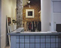 Une boutique multi-marques qui propose des vêtements triés sur le volet ; Florette Pâquerette, Little Jou, keonit, Justine Clenquet et bien d'autres. Le tout à des prix accessibles.