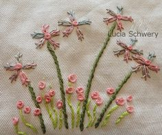 Hand Work Embroidery, Free Motion Embroidery, Shirt Embroidery, Hand Embroidery Patterns, Ribbon Embroidery, Cross Stitch Embroidery, Bordado Floral, Crazy Patchwork, Quilling Patterns