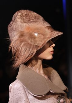 7577dc139ed  LouisVuitton  LV  Hat  Fur  Feather  Fall  Winter www.