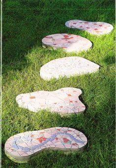 Mozaika na zahradu: venkovní dekorace / Мозаика в саду: наружные украшения . Комментарии : LiveInternet - Российский Сервис Онлайн-Дневников