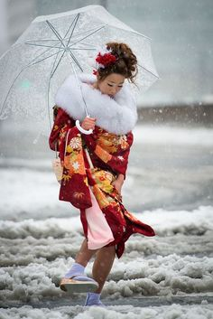 Coming of Age day under the snow in Tokyo, January 14, 2013   by Damien D'Angelo