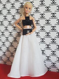 Baby Barbie, Barbie Dolls Diy, Barbie Fashionista Dolls, Diy Barbie Clothes, Barbie Model, Barbie Life, Barbie Dress, Barbie Painting, Barbie Funny