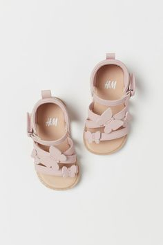 Imitation leather sandals with an appliqué on the front and an adjustable ankle strap with a hook and loop fastening at one side. Baby Girl Sandals, Girls Sandals, Baby Girl Shoes, Cute Baby Girl, Girls Shoes, Zara Kids Shoes, Toddler Girl Shoes, Baby Booties, Toddler Girls