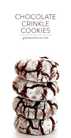 Chocolate Crinkle Cookies -- quick and easy to make, and so delicious! | gimmesomeoven.com
