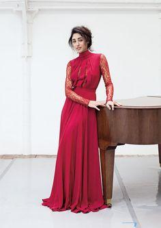 Golshifteh Farahani pictures and photos Fancy Wedding Dresses, Formal Dresses, Hijab Fashion, Fashion Dresses, Women's Fashion, Couture Fashion, Iranian Actors, Persian Beauties, Iranian Women Fashion