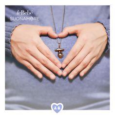 Un ciondolo a forma di ciuccio che accompagna la tua attesa... hai un cuore grande mamma, il nuovo amore sta arrivando. :) #fieradiesseremamma #lebebé #gioielli #suonamore #instantmoments