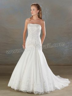 Pretty Mermaid Tulle Gown of Lace Wrapped Bodice