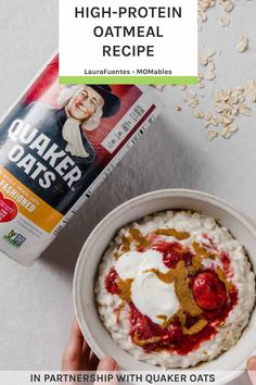 THE high-protein oatmeal recipe you are going to want to eat every. Made with oats and Greek yogurt, this creamy oatmeal is delicious! Brunch Recipes, Breakfast Recipes, Snack Recipes, Real Food Recipes, Yummy Food, Protein Oatmeal, Healthy Oatmeal Recipes, Easy One Pot Meals, Gluten Free Breakfasts