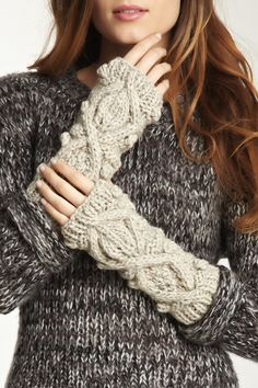 Chunky Cable Knit Fingerless Gloves. this is so wonderful! oh, and the sweater too.