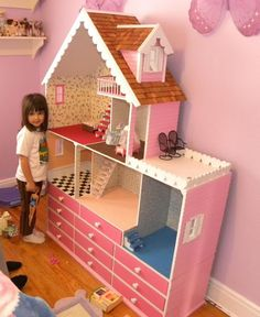 "This is the most unique and ""why didn't I think of it"" doll house! The drawers organize all the toys and doll clothes and ""extras"" that kids seem to find and add to their collection. Just need a small dresser. Small Dresser, Diy Casa, Doll Furniture, Kids Furniture, Cheap Furniture, Bedroom Furniture, Diy Dollhouse, Dollhouse Design, Victorian Dollhouse"