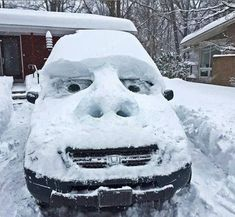 A photo gallery containing pictures of the funniest snow sculptures ever created. Brace yourselves, more funny snow sculptures are coming. Stupid Funny, Funny Jokes, Hilarious Quotes, Funny Fails, Snow Sculptures, Snow Art, Winter Fun, Winter Snow, Really Funny