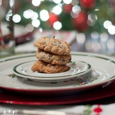 These Almond Joy Cookies are filled with milk chocolate, almonds, and coconut just like their namesake candy bar. Just Desserts, Delicious Desserts, Yummy Food, Cookie Recipes, Dessert Recipes, Bar Recipes, Dessert Ideas, Favorite Cookie Recipe, Favorite Recipes