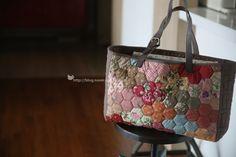 Japanese Bag, Quilted Bag, Fabric Bags, Michael Kors Jet Set, Scrap, Quilts, Tote Bag, Purses, Handmade