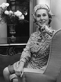 Este Lauder 1908=2004 Expanded the company into a beauty empire bases on science and to carry on Lauder's legacy as a philanthropist and innovator and the the first female magnate of beauty