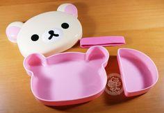 Boîte à bento kawaii de la marque japonaise San-x, avec le petit ours Korilakkuma !!(♡^x^♡)  **Article San-X authentique, importé du Japon~ **sans BPA, sans danger pour les aliments et les enfants~ - boutique kawaii en ligne chezfee.com