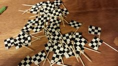 Checkered Flag Tooth Picks: A little time, a roll of checkered duct tape, and a box of tooth picks. Scout Camping, Camping Tips, Fun Art, Cool Art, Scout Bike, Car Snacks, Pinewood Derby Cars, Cupcake Picks, Pumpkin Lights