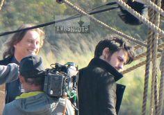 Colin O'Donoghue & Robert Carlyle Sword Fight on Jolly Roger Set in Steveston - 14 October 2015