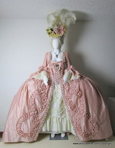 Andrienne Modell, 18 Jahrhundert Rokoko, Französisch Court D … – Hair Design Ideas 18th Century Dress, 18th Century Costume, 18th Century Fashion, Historical Costume, Historical Clothing, Rococo Fashion, Vintage Fashion, Mode Rococo, Rococo Dress