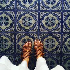 True Blue. #ihavethisthingwithfloors#ihaveathingforfloors#ihavethisthingwithtiles#carrelage#design#fromwhereistand#fwis#fwisfeed#feet#floors#igers#instagood#jj#lookyfeets#lookingdown#pattern#perspective#singaporegypsy#selfeet#shoefie#summer#sandals#hoian#vietnam#blueandwhite#somethingblue#viewfromthetop#tiles#tileaddiction by singaporegypsy