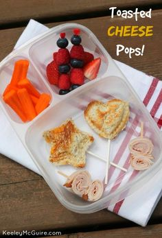 Lunch Made Easy: Toasted Cheese Pop Sandwiches | packed in @EasyLunchboxes containers