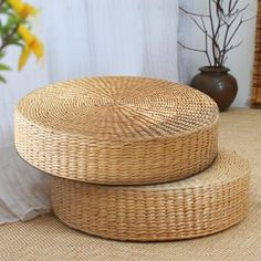 Hot Natural Straw Round Pouf Tatami Cushion Weave Handmade Pillow Floor Japanese Style Cushion with Silk Wadding. Type:Â Tatami cushion. 1 x Tatami Cushion. Material:Â Natural Straw,EVAÂ sponge. Patio Cushions, Floor Cushions, Cushions On Sofa, Throw Pillows, Buy Pillows, Pink Pillows, Tufted Sofa, Straw Weaving, Floor Sitting