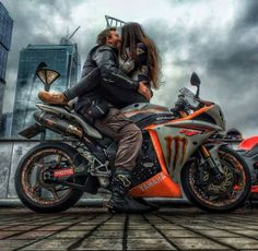 Motorcycles, bikers and more: Fotos Bike Couple, Motorcycle Couple, Chopper Motorcycle, Motorcycle Art, Biker Love, Biker Girl, Super Bikes, Custom Sport Bikes, Yamaha R1