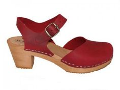 DOLLY+Red-+woodenclog+sandal