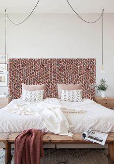 DIY : votre tête de lit avec notre papier peint Coordonné !. En vente dés le mois prochain sur le site de Louisiane-design. Réservez vite votre rouleau en nous écrivant à celine@louisiane-design.com #papier #peint #coordonné