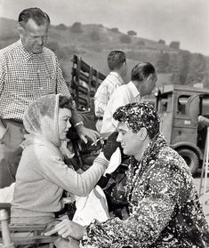 """Jane Wyman and Rock Hudson behind the scenes on the set of """"All That Heaven Allows"""" Golden Age Of Hollywood, In Hollywood, All That Heaven Allows, Jane Wyman, Don Johnson, Rock Hudson, Great Films, Film Director, Classic Movies"""